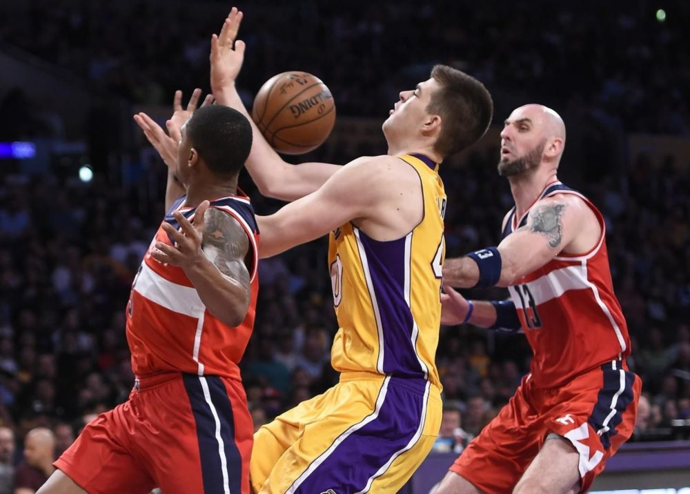 Wizards clinch Division, east playoff contenders